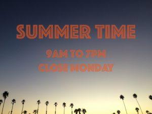 【夏】クラシカルなビンテージボードからオルタナティブ・ボードまでセレクティブなサーフショップSTANDARD STOREが7月より9:00から19:00までのサマータイムに突入!