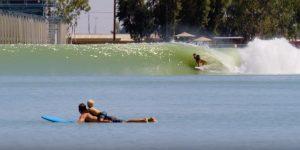【鬼必見動画】サメに襲われて左腕を失った女性トッププロサーファーBethany Hamiltonが第二子を出産して3ヶ月後にKelly Slaterの人工波Surf Ranchで繰り広げた家族サーフセッション
