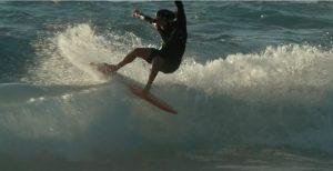 【必見動画】Catch Surfのフィンレス・サーフィンの鬼、Beau Cramによる遊び心溢れるフィンレス・フリーセッション