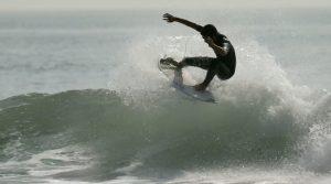 【colorsTV】小振りながら面ツルグラッシーな波に恵まれた7/19(木)モーニング・フリーセッション
