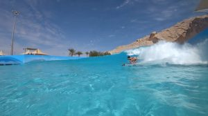 【SURF TRIP】間屋口香と間屋口峻英がウェイブプールを訪れるドバイの旅