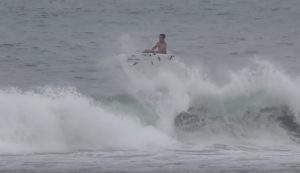 【台風14号】サーフィンとスケートボードを高次元で融合させたオリジナルスタイルを持つ金尾玲生とニュージーランド出身のMcKenzie Bowdenによる夏の湘南台風セッション