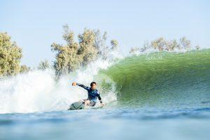 """【現地リポート】Kelly Slaterがトップをキープ!大原洋人のライディングも収録したCT第8戦""""Surf Ranch Pro""""DAY1ハイライト映像"""
