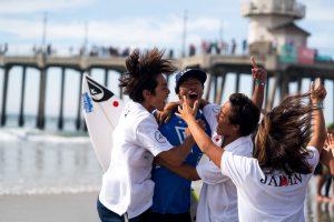 【colorsTV】ISA World Junior Surfing Gamesで国別総合で金メダルを獲得した日本代表チームの9日間を切り取ったスペシャル・ハイライト動画