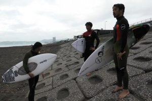 【最新動画】小川直久、小川幸男の小川ブラと脇祐史による鴨川ニューボードセッション