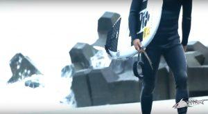 """【kumebros最新動画】乗っていてメチャクチャ楽しいボード! Channel Islands surfboardsが日本の波用に開発したムラサキスポーツ限定モデル""""Sashimi J""""待望のインプレッション"""