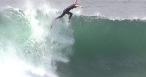 """【最新動画】Harry Bryantが5'5""""のCatch Surfでウェッジの激ボレ・ショアブレイクにチャージ!"""