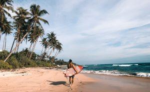【世界一周】の旅に出ている和光大プロがスリランカで人の少ないビーチブレイクでファンウェイブをスコア!