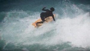 【オルタナティブ】サーフィンでフロントサイド・ロックンロール!? ツインフィンのルースさがスタイリッシュに引き出されたMichael FebruaryによるCI Fishセッション