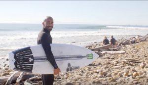 """【テストライド】永遠のアンチヒーローBobby Martinezが、Dane Reynoldsのデザインをさらに進化させたChannel Islands surfboardsニューモデル""""Neck Beard2""""でリンコンのパーフェクトライトをシュレッド!"""