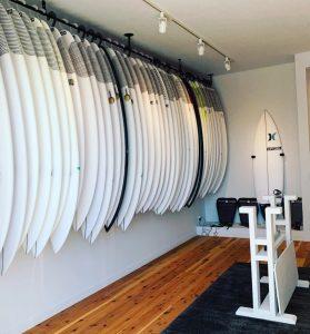 【祝!】オープン記念セールも実施中! John John Florenceに厚い信頼を寄せらる世界一のシェイパーのひとりJon PyzelによるPYZEL surfboards Japanのショールームが湘南の鵠沼にオープン!!