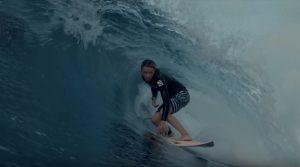 【注目の】14歳にしてすでにパイプの波をライドするKobi Clementsによるハワイ2019クリップ