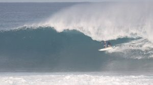 【HAWAII2019】上手過ぎるバックサイドチューブの数々!伊東李安琉によるリアルOTWセッション