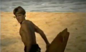 【鬼必見動画】1992年の若き日のKelly Slaterのビンテージ・シングルフィンでのライディングも収録した不朽の名作MOMENTUM llで使われなかった未公開映像による激レア・ショートクリップ