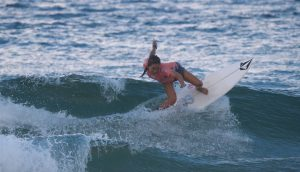 【現地直送】田中大貴、安室丈がラウンド2へ、川合美乃里と脇田紗良がラウンド3進出! オーストラリアのマンリービーチで開催中のQS6000コンテストDAY2の日本人選手たちのヒートを収録したcolorsmag的ハイライト動画