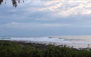 【若手育成】インドネシアのシメルー島で何でもありなロング・パーフェクト・レフトをスコア! 鬼コーチ和光大プロと古田龍之介、小川葉良によるチームHRS強化合宿セッション