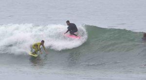 【必見動画】Kalani RobbとTyler Stanalandの2KOOKSによるCatch Surfフィンレス・セッション