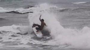 """【テストライド】晴れてプロ資格を獲得した注目の実力派フリーサーファー飯田航太が、Hammo surfboards注目の最新モデル""""V2""""モデルで小振りなオンショアのスナッパーロックスのようなライトを中心にライド!"""