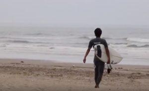 """【最新ボードチェック】岩淵優太によるZBURH CUSTOM surfboards注目の小波パフォーマンスモデル""""FLOAT MINI""""セッション"""