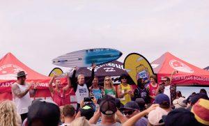 """【オルタナティブ】Parko、Occyほか世代を超えたサーフスターが集結した中、Ethan Ewingが優勝! バーレーヘッズのスーパー・ライトを舞台に開催された""""BILLABONGシングルフィン・フェスティバル""""ハイライト"""