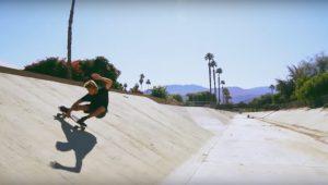 """【陸上イメトレ】板のしなりの反発がよりアグレッシブなターンを実現!! 最新素材を採用したCarver skateboardsならではの2020年注目のハイブリッドモデル""""32.5″ Black Rip Surfskate Complete"""""""