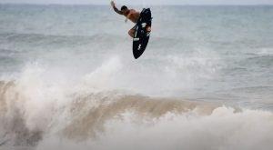 """【相変わらずの】異次元サーフィン!! 2019ワールドチャンプItalo Ferreira最新クリップ""""VERSATILITY 2020″"""