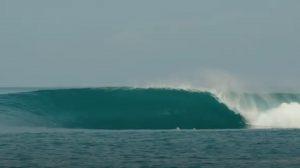 【oceanpeople最新動画】世界のトップカリスマ・フリーサーファーCraig Andersonを唸らせ、サーフィン人生に最も大きな影響を与えた小林直海の1本とは!? 待望のクルイ・トリップ第3章は伝説のシリンダーバレル波セッションを収録!!